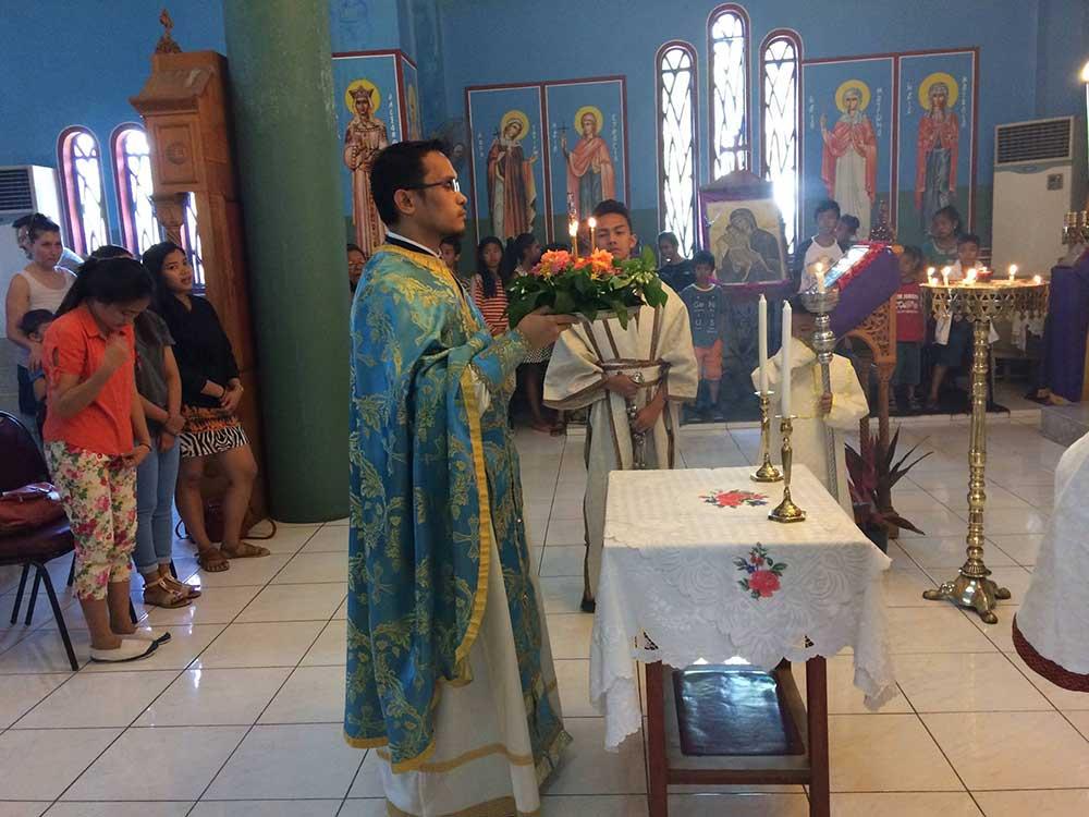 Η Κυριακή της Σταυροπροσκυνήσεως στις Φιλιππίνες